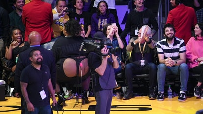 Lizzo's Response To Haters Criticizing Her Lakers Game Outfit Was So Positive