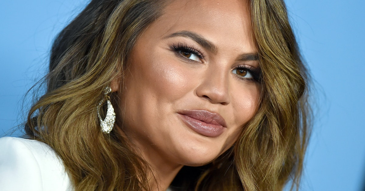 "Chrissy Teigen Was Reminded She ""Just"" Had A Baby: ""I Could Have Cried"""