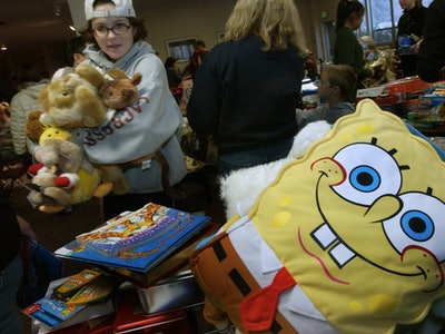 holiday toy drive for needy kids