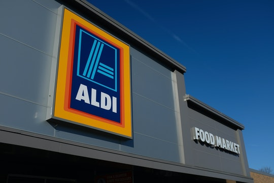 the outside of an aldi store
