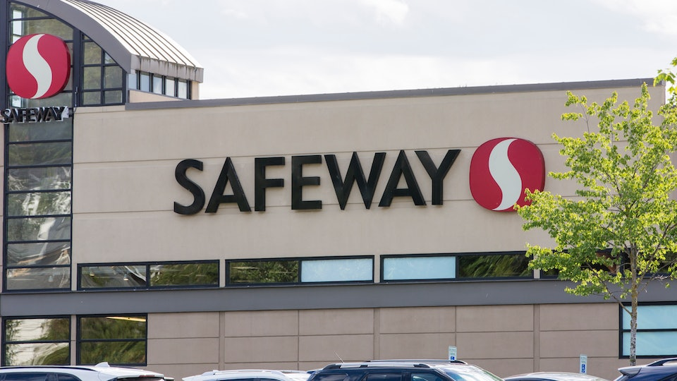 Safeway is one grocery store open on Christmas Day.