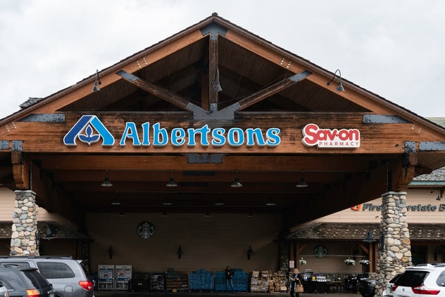 Albertsons is one grocery store open on Christmas Day.