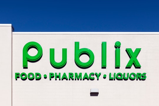 the outside of a publix store