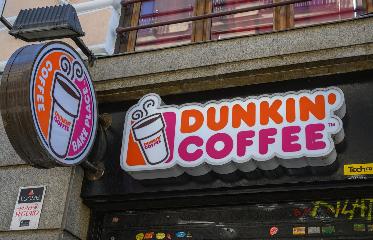 Dunkin's Girl Scout Cookie coffee flavors are coming back in 2020.