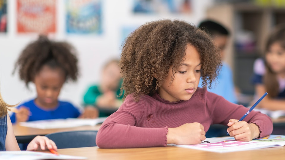 Kids talking to themselves during their studies could improve performance