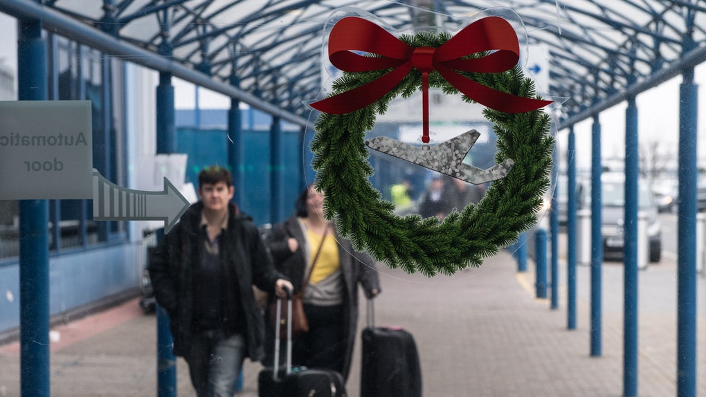 These Last Minute Christmas 2019 Flight Deals Won T Break The Bank