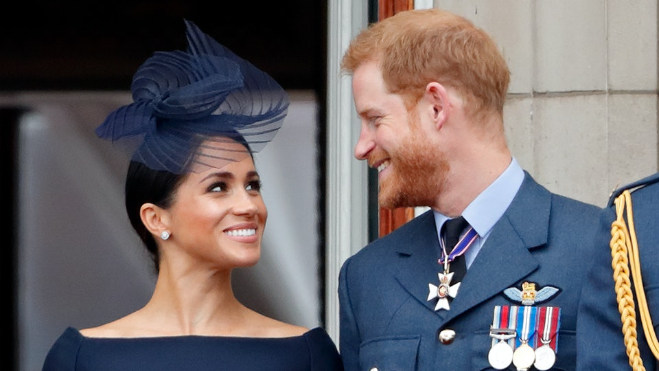 Meghan Markle and Prince Harry's Instagram captions have people convinced the Duchess is writing them herself.