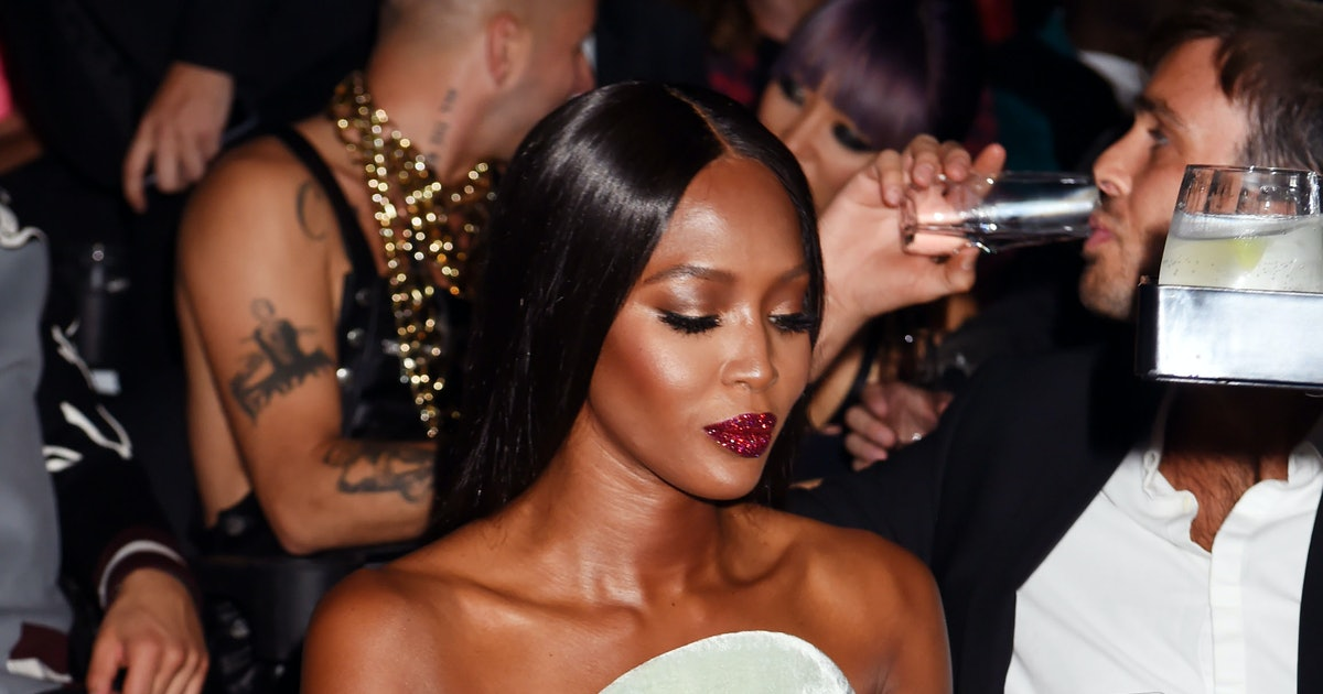 10 Sparkly New Year's Eve Makeup Ideas We're Stealing From Celebs