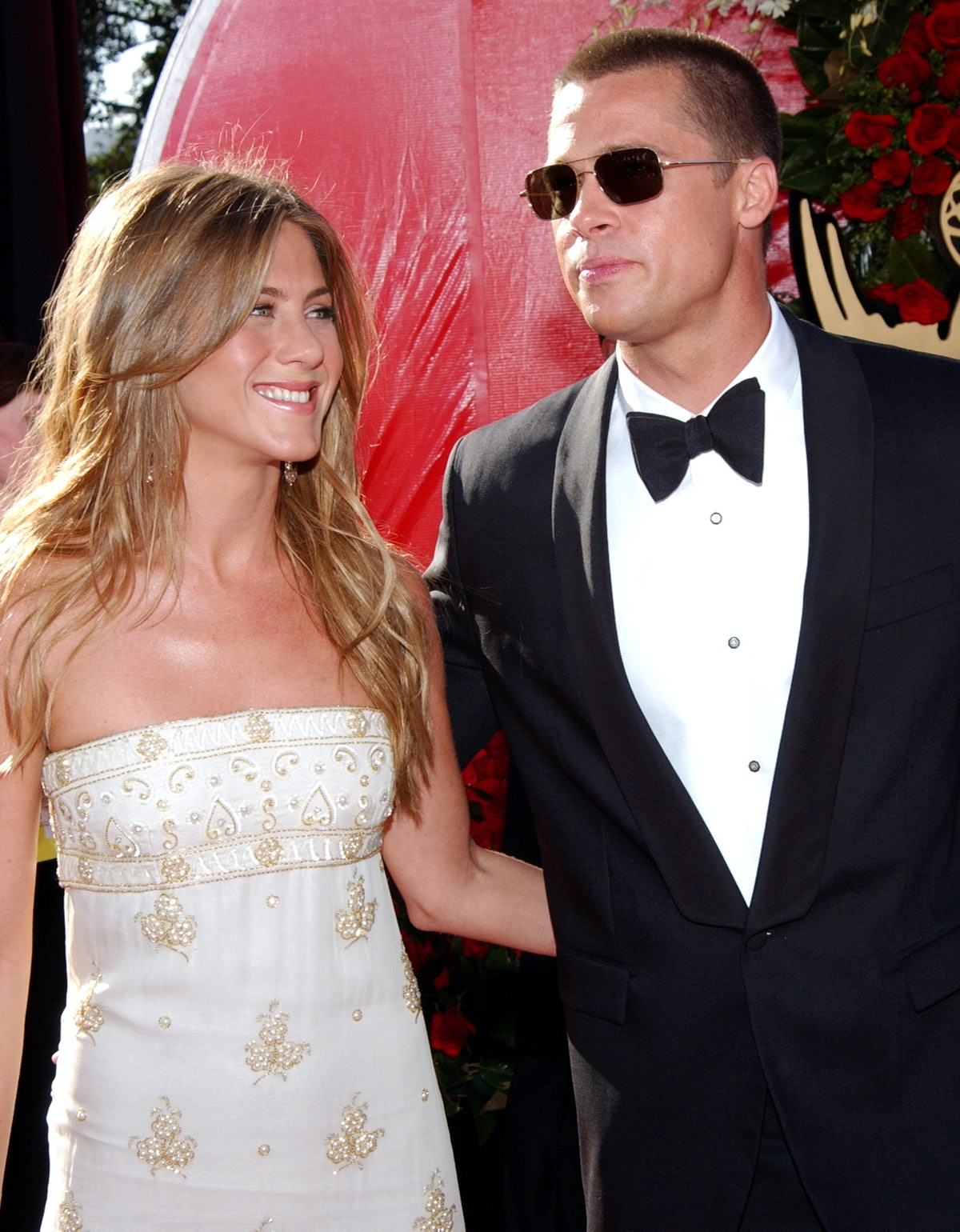 Jennifer Aniston and Brad Pitt accompany each other on the red carpet.