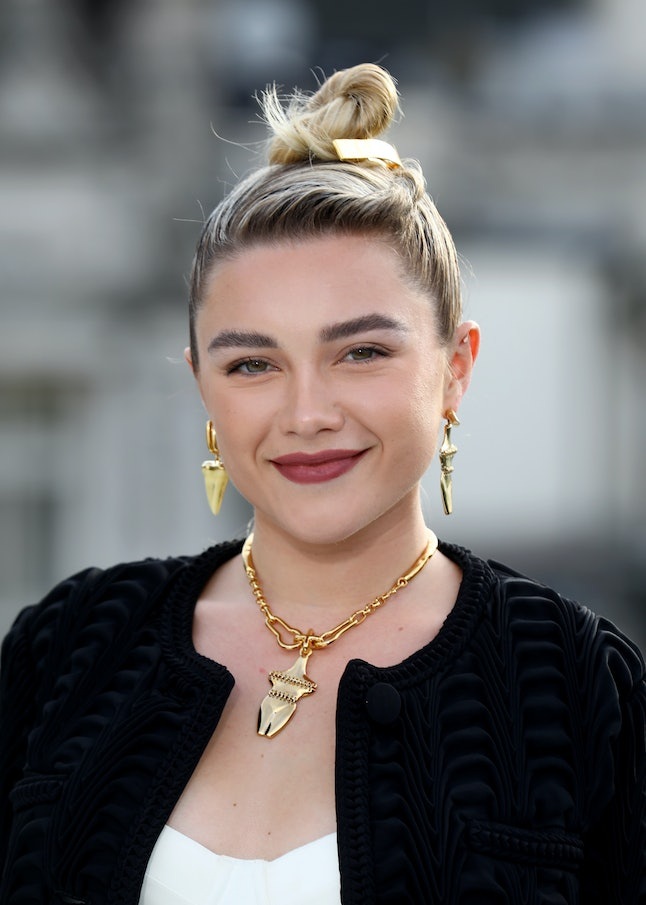 Florence Pugh's sculptural top knots are easy to copy on New Year's Eve