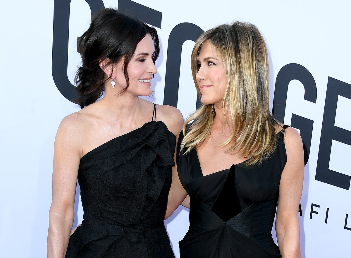 Courteney Cox Is One Of The People Jennifer Aniston & Brad Pitt Have In Common