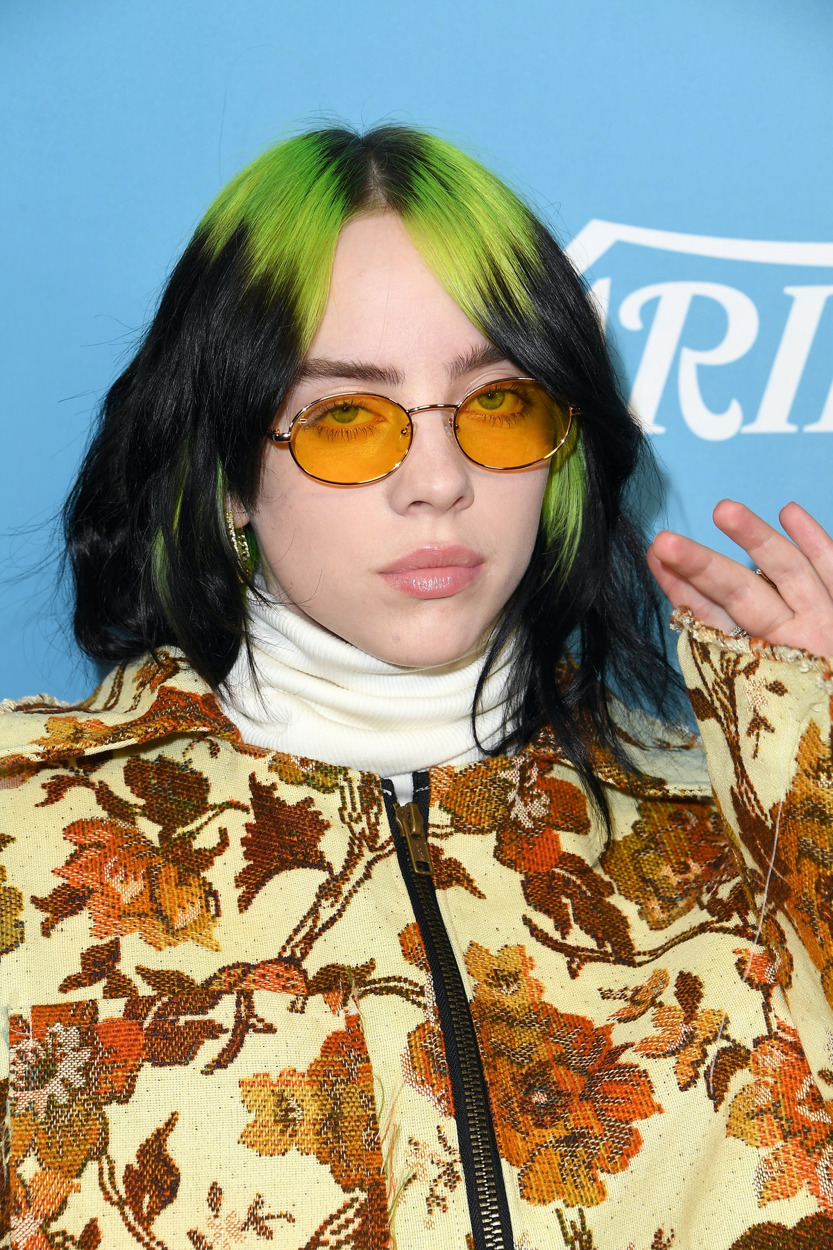 Billie Eilish's reaction to a fan impersonating her in Moscow is hilarious.