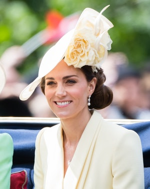 Kate Middleton's pearl earrings were borrowed from the Queen.