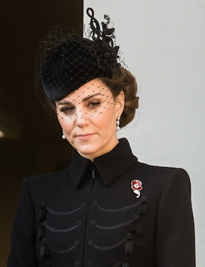 Kate Middleton borrowed the Queen's pearl earrings for Remembrance Day.