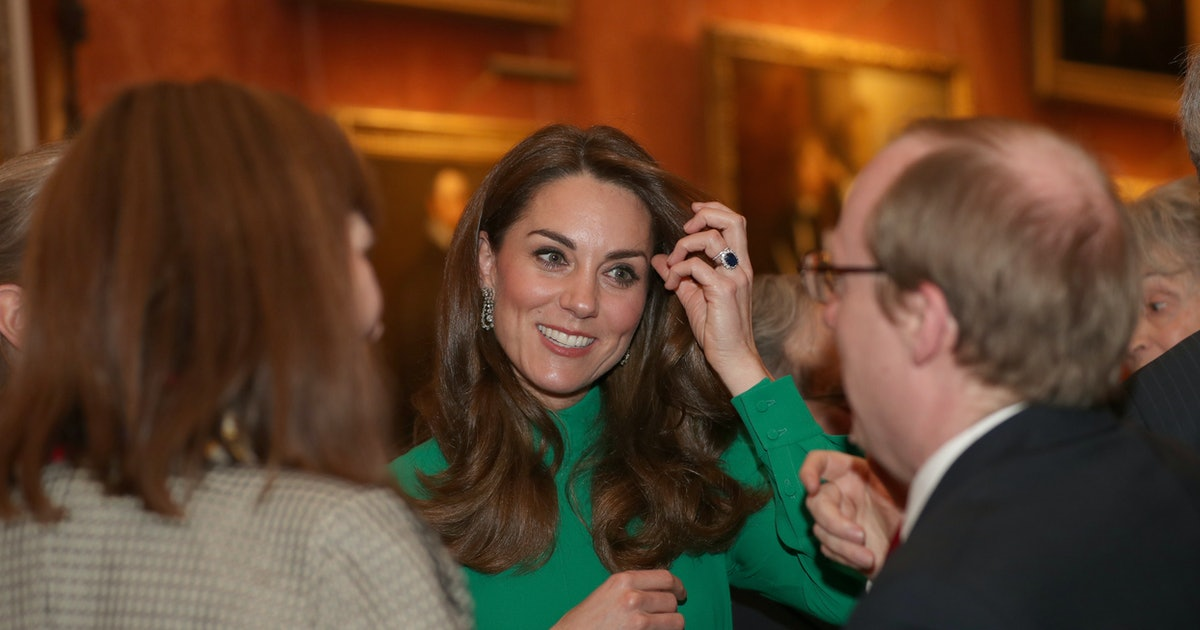 Kate Middleton Borrowed The Queen's Diamond Earrings For A Second Time