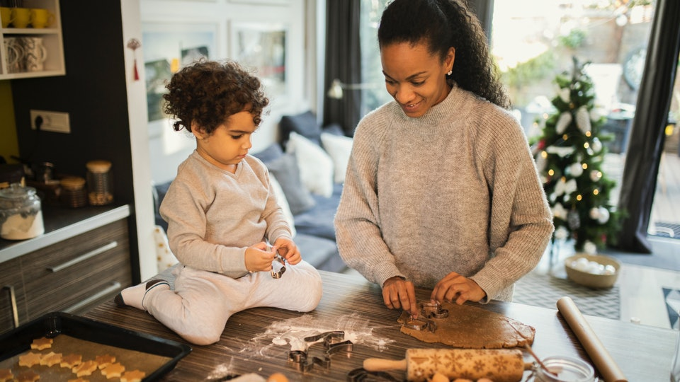 Experts say baking cookies with your kids opens up a wide range of benefits.