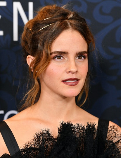 Last-minute holiday hairstyles, buns, and updos