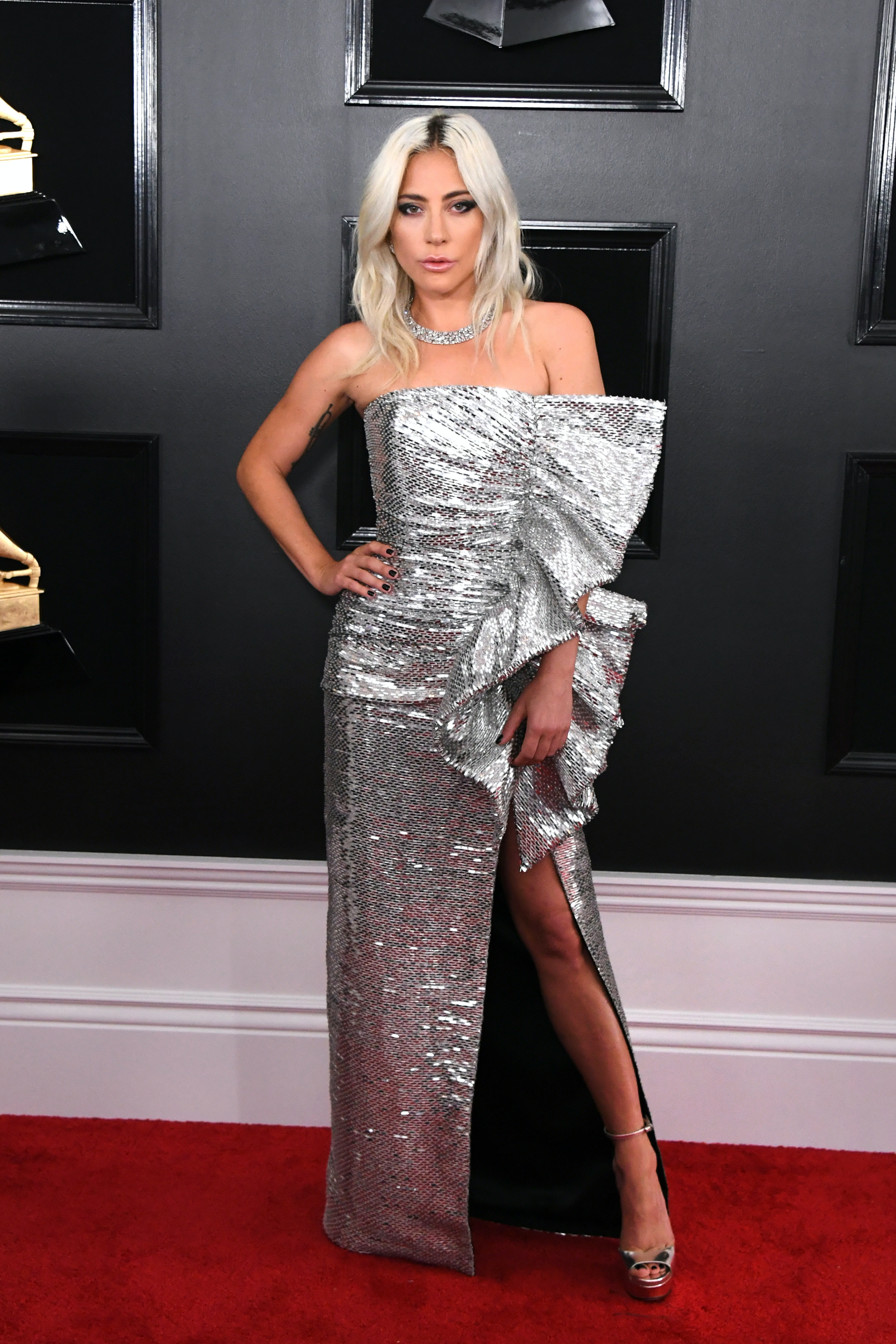 Lady Gagas 2019 Grammys Dress Looked So Different On The Runway