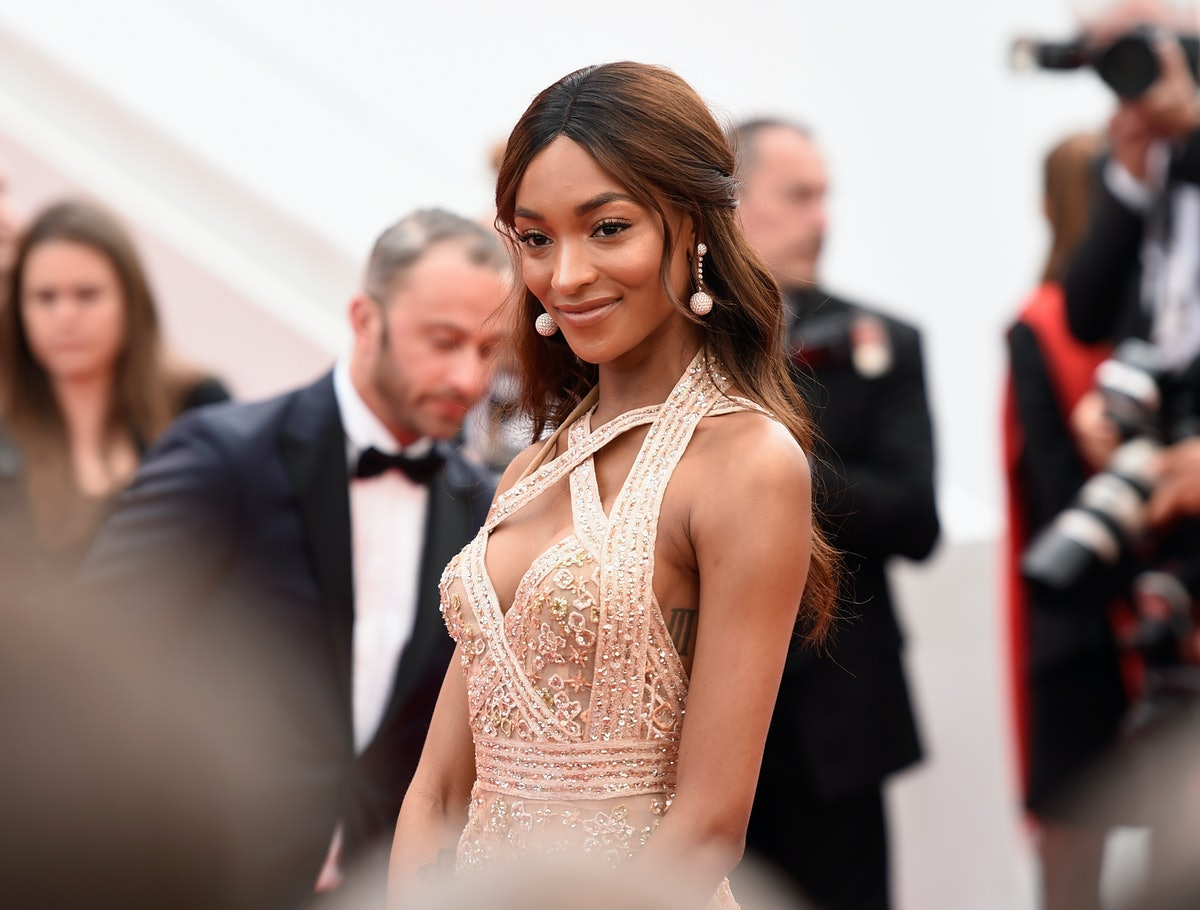 Jourdan Dunn's Track Pants Make Airport Style So Easy (Even During Fashion Month)