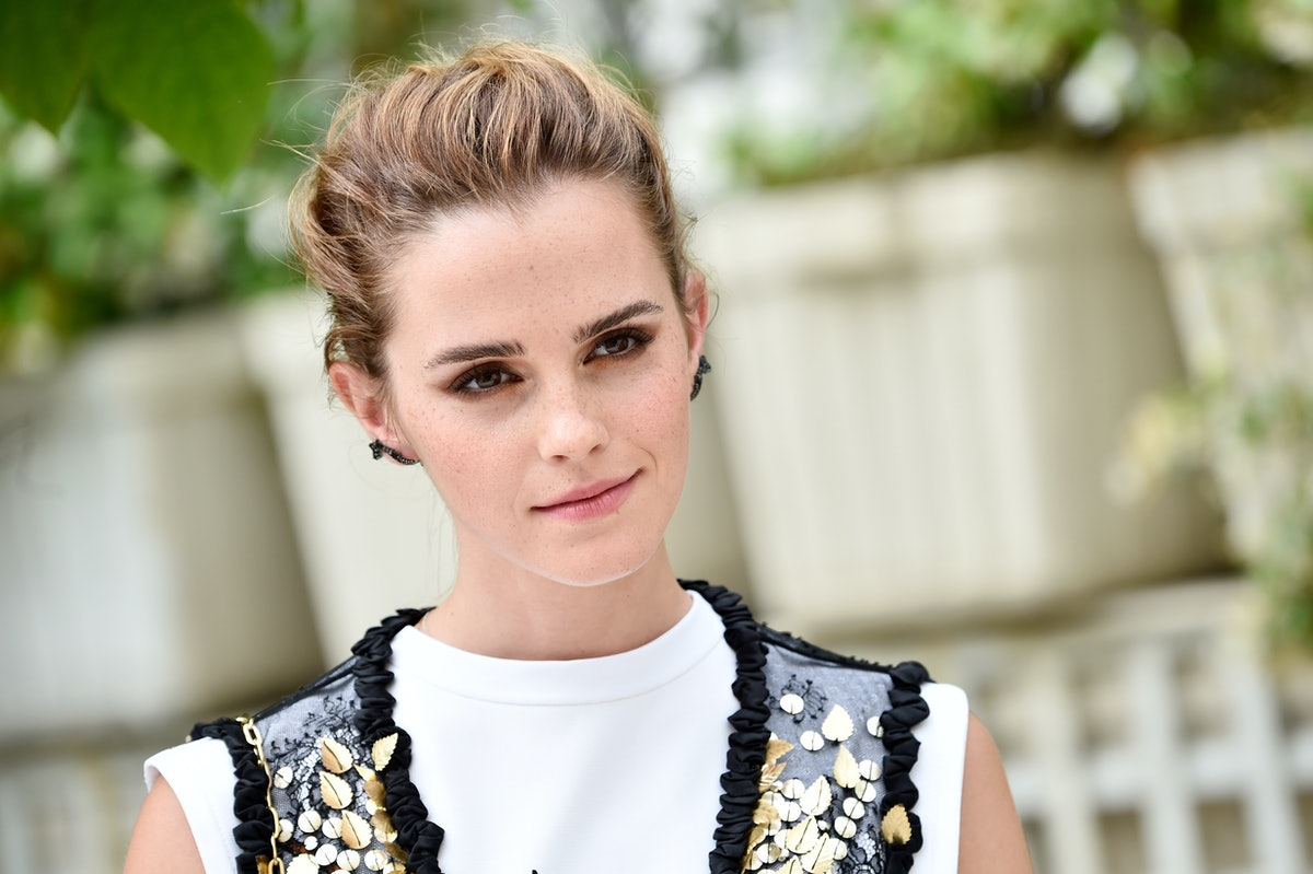 Emma Watson's Green Suit & Yellow Shoes Are An Unexpected (But Brilliant) Combination