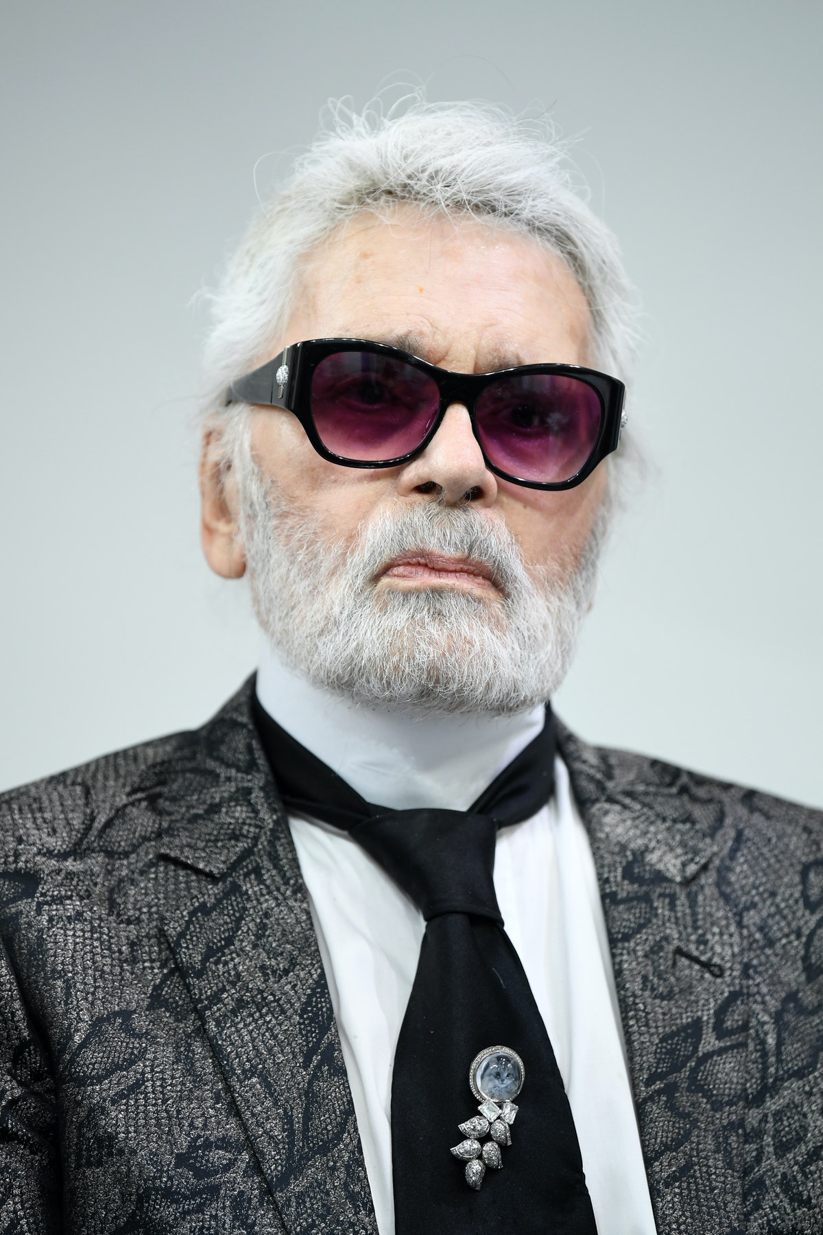 Celebrity Reactions To Karl Lagerfeld's Death Include Moving Tributes From Gigi Hadid, Victoria Beckham, & More - PHOTOS