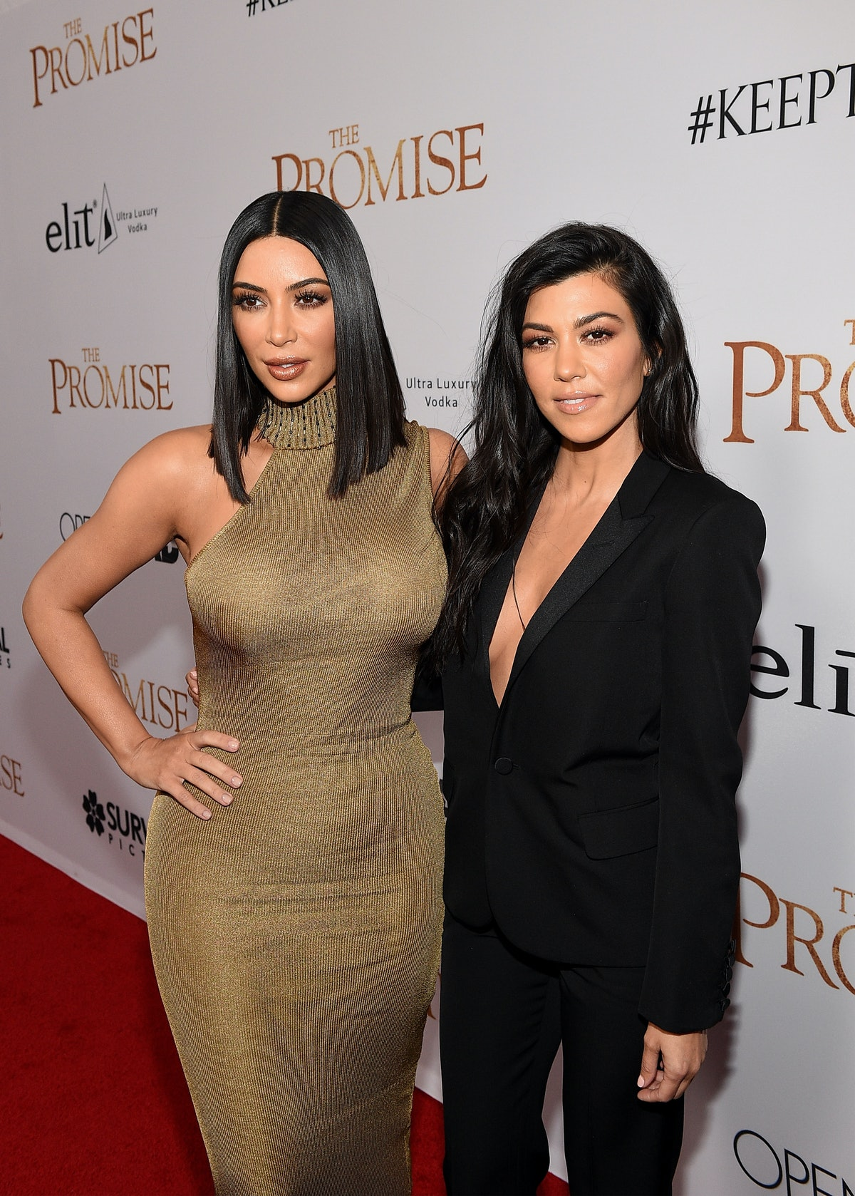 Kim & Kourtney Kardashian's Birthday Tributes To Their Dad Are The Sweetest Throwbacks — PHOTOS