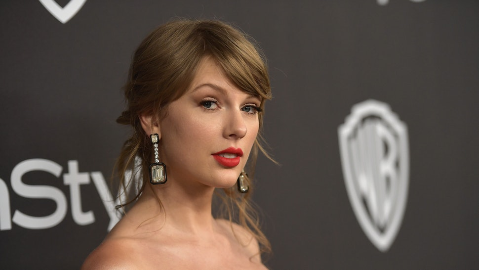 f4c45c5796a This Taylor Swift New Album Theory Has Twitter Convinced Her Photos Are A  Countdown To A Big Announcement