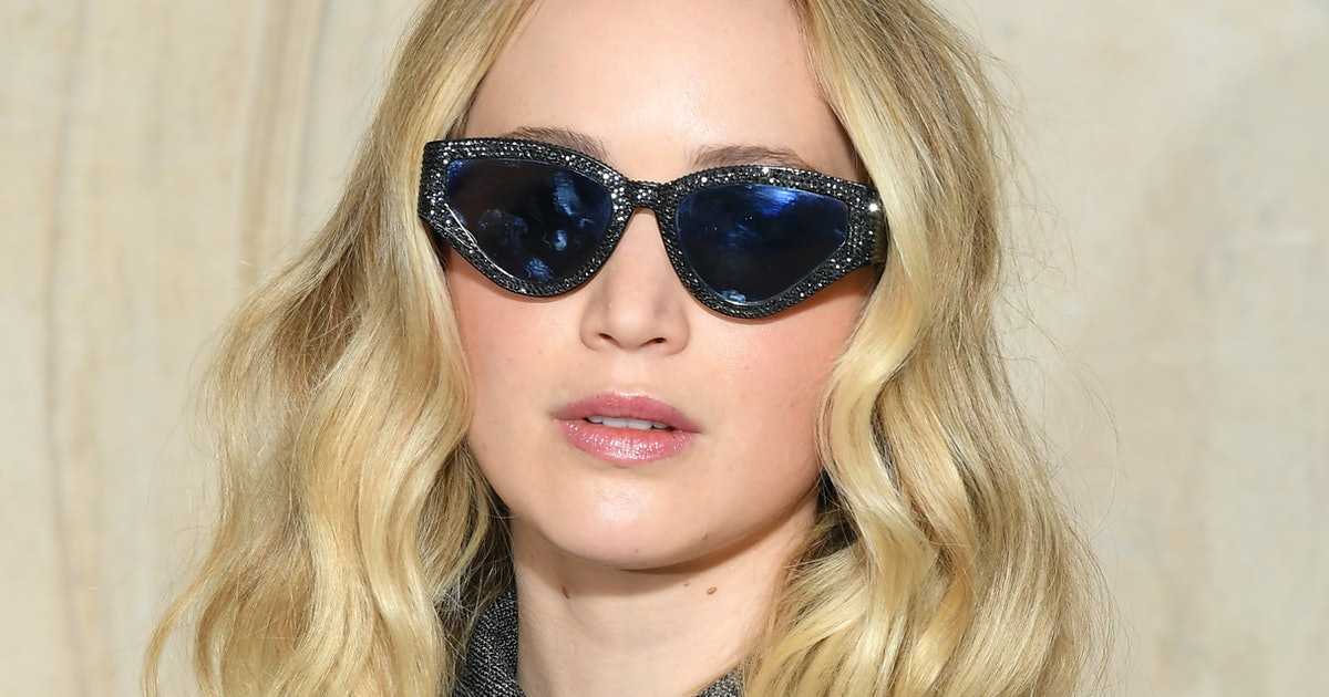 Photos Of Jennifer Lawrence's Engagement Ring Are Finally ... - photo #10