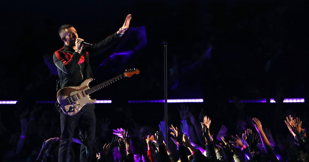 These Maroon 5 Super Bowl Halftime Memes Prove That Everyone Was On the Same Page About Their Performance