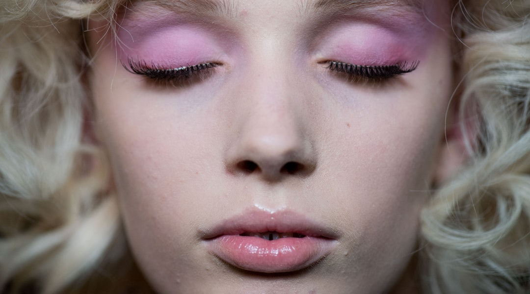 Image result for lipstick on eyeshadow