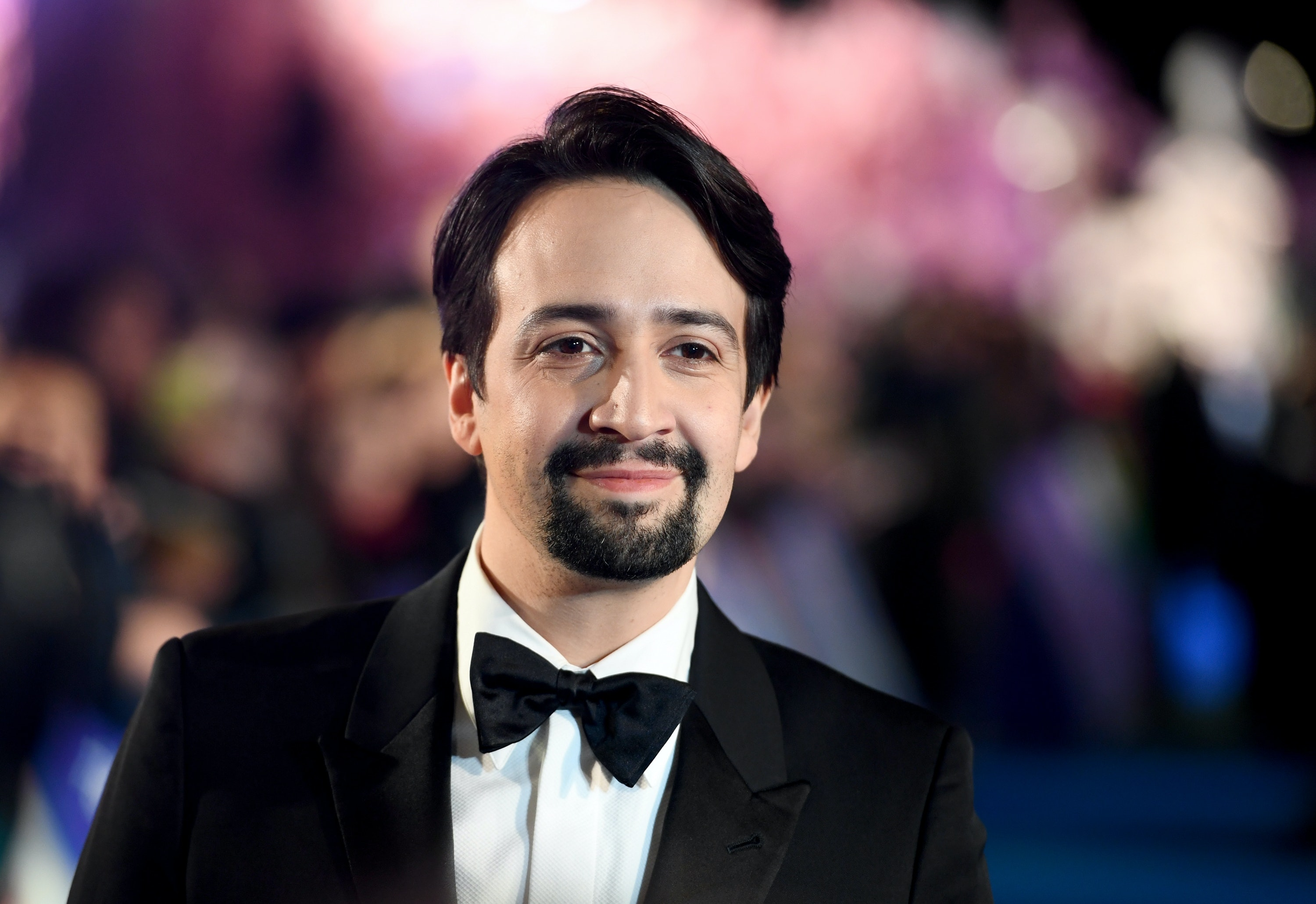 Lin Manuel Miranda Shares The Books He Read While On Vacation They Re Unsurprisingly Excellent Recommendations