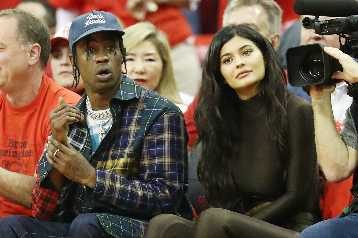 This Photo Of Travis Scott Wearing A Kylie Jenner Sweater Sends A Pretty Clear Message