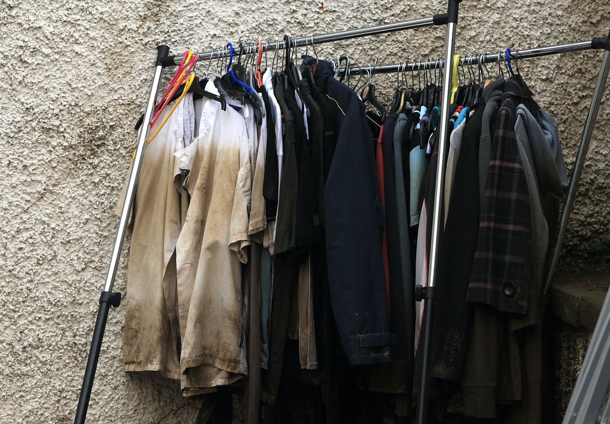 11 Tips For Selling Your Clothes At A Secondhand Store, According To Store Employees