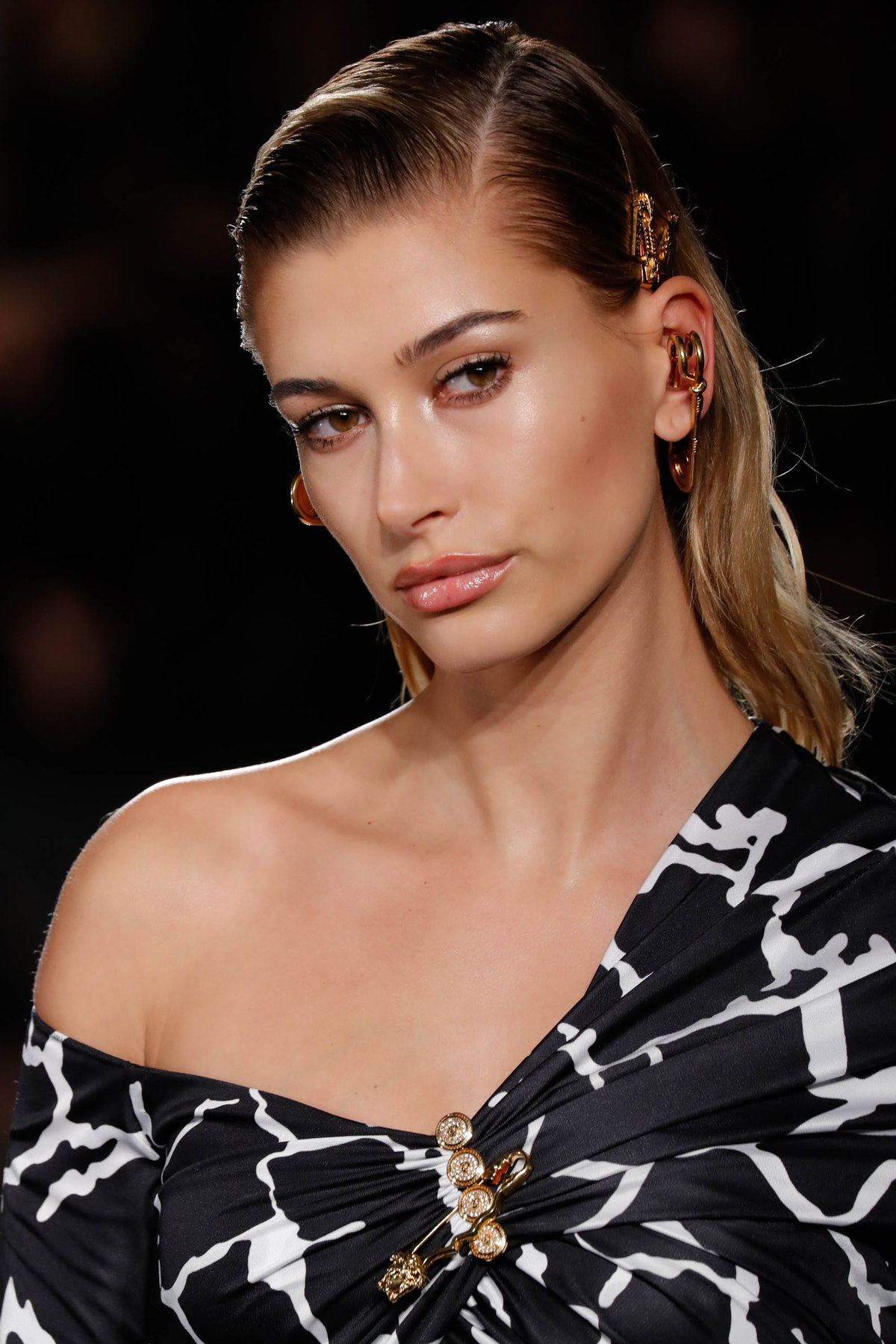 Fans Think Hailey Baldwin Is Pregnant After Justin Bieber's Instagram, But The Evidence Is Hazy