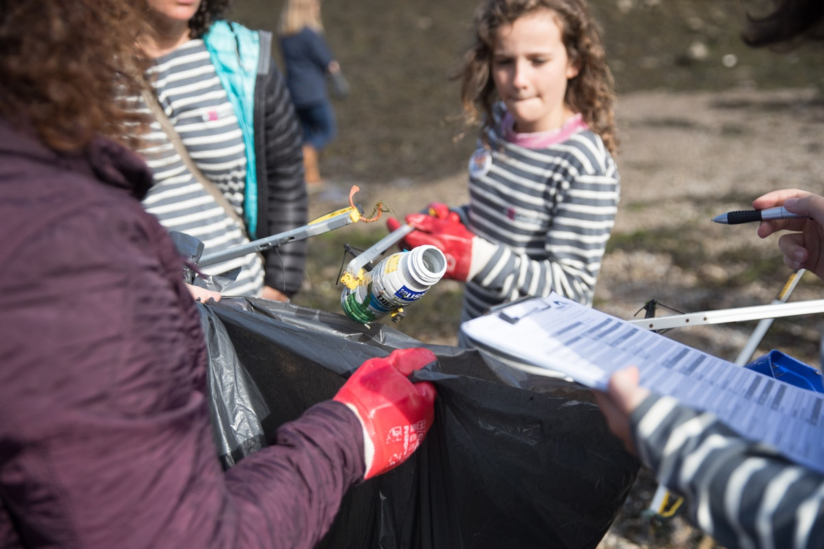 7 Environmentally Friendly Organizations To Volunteer With To Help Make A Difference