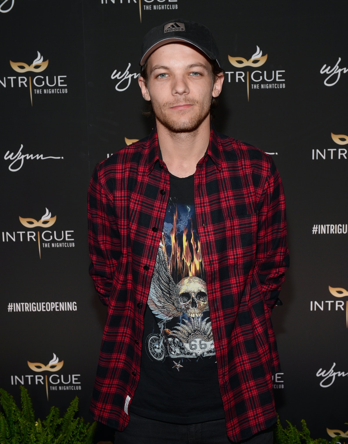 Louis Tomlinson's First Tweet Since His Sister's Death Thanks Fans For All Their Love & Support