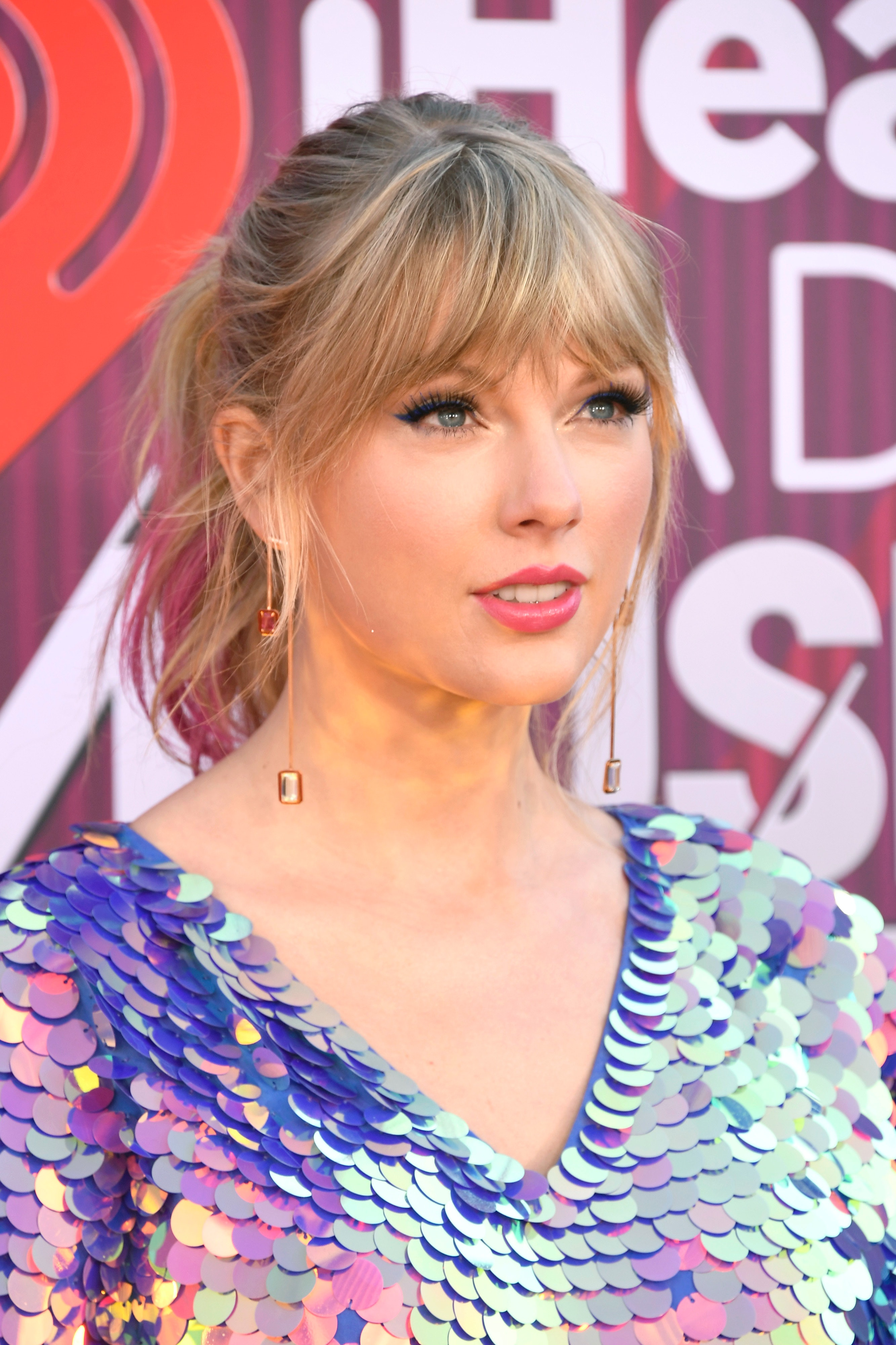 Taylor Swift Has Dip-Dyed Pink Hair Now & You Probably Missed It
