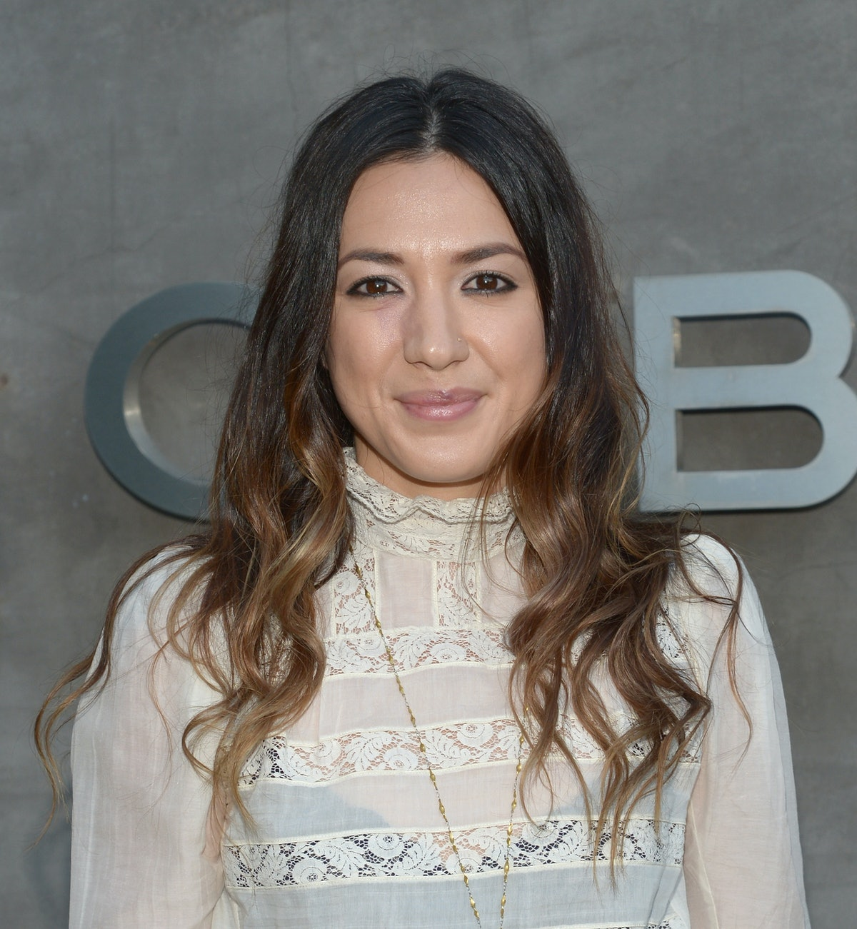 Michelle Branch's Breastfeeding Photo From Her Wedding Day Is An Iconic Piece Of Art