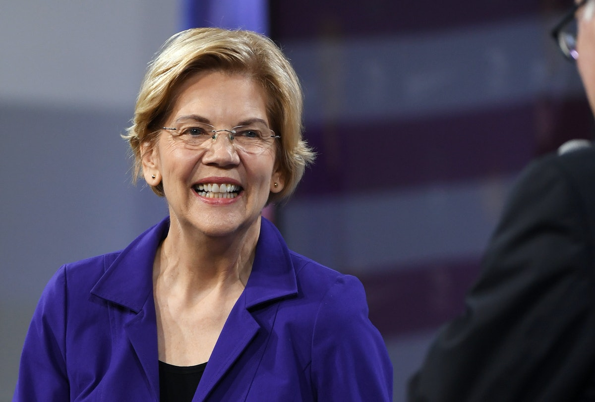 """Elizabeth Warren Vows Her Education Secretary Pick Will Have """"Real Teaching Experience"""""""