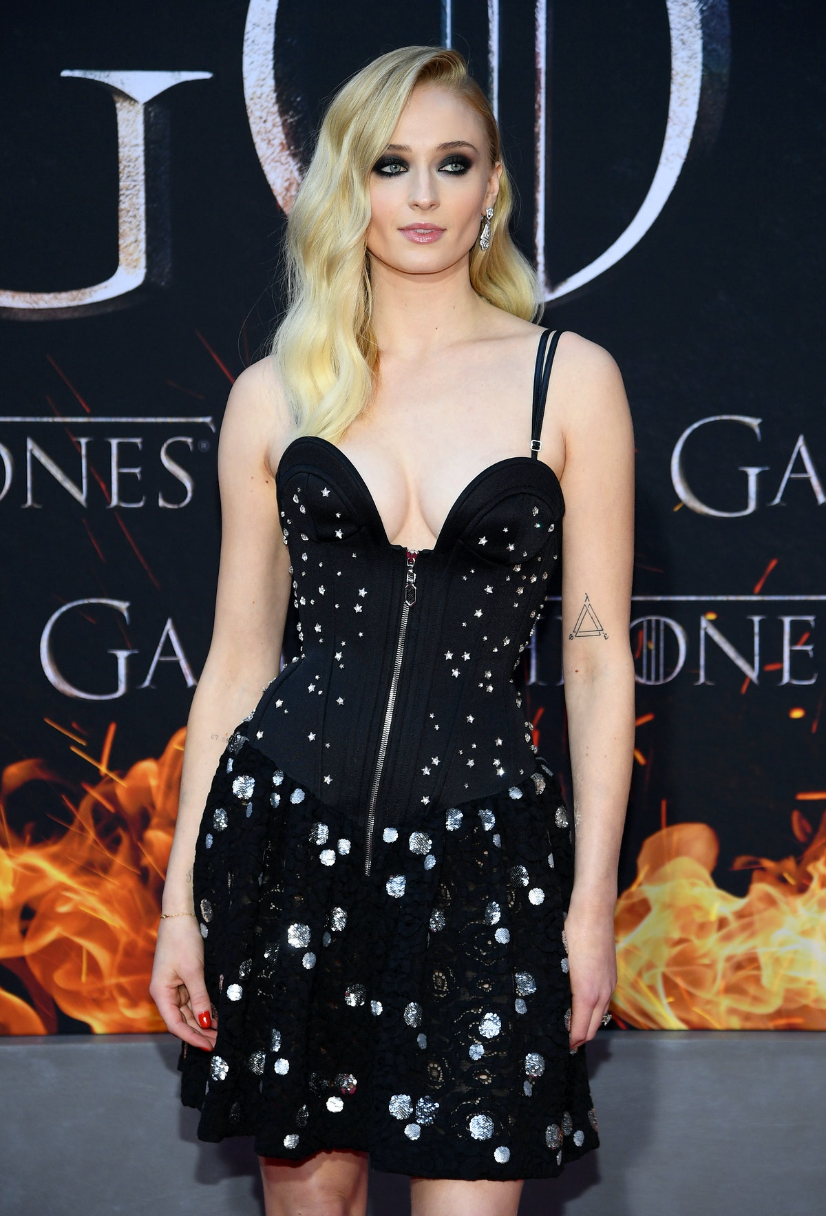 'Game Of Thrones' Star Sophie Turner Talked About Her Struggle With Body Image & The Importance Of Therapy