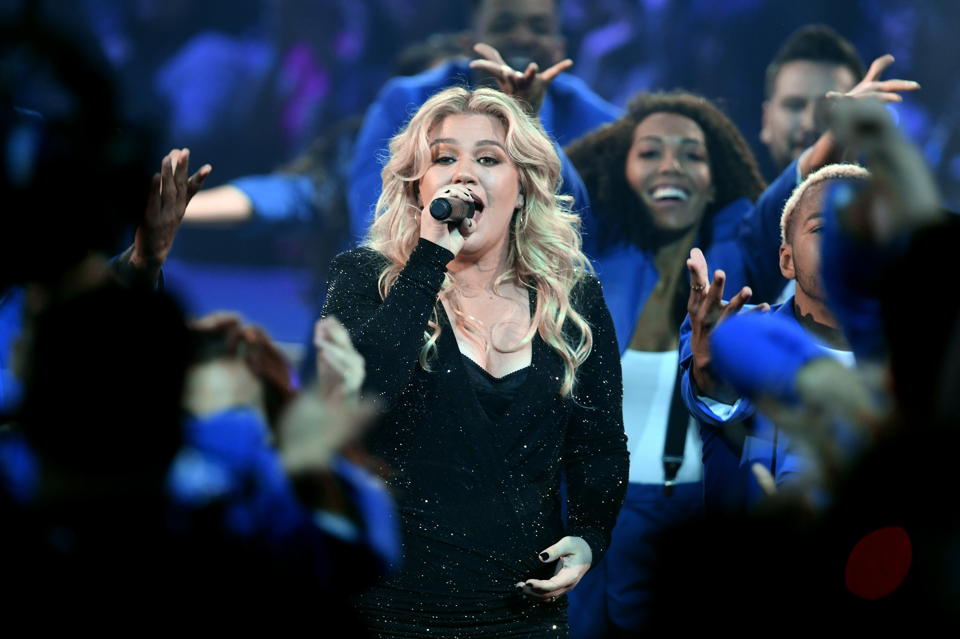 Kelly Clarkson's 2019 Billboard Music Awards Medley Was Jam