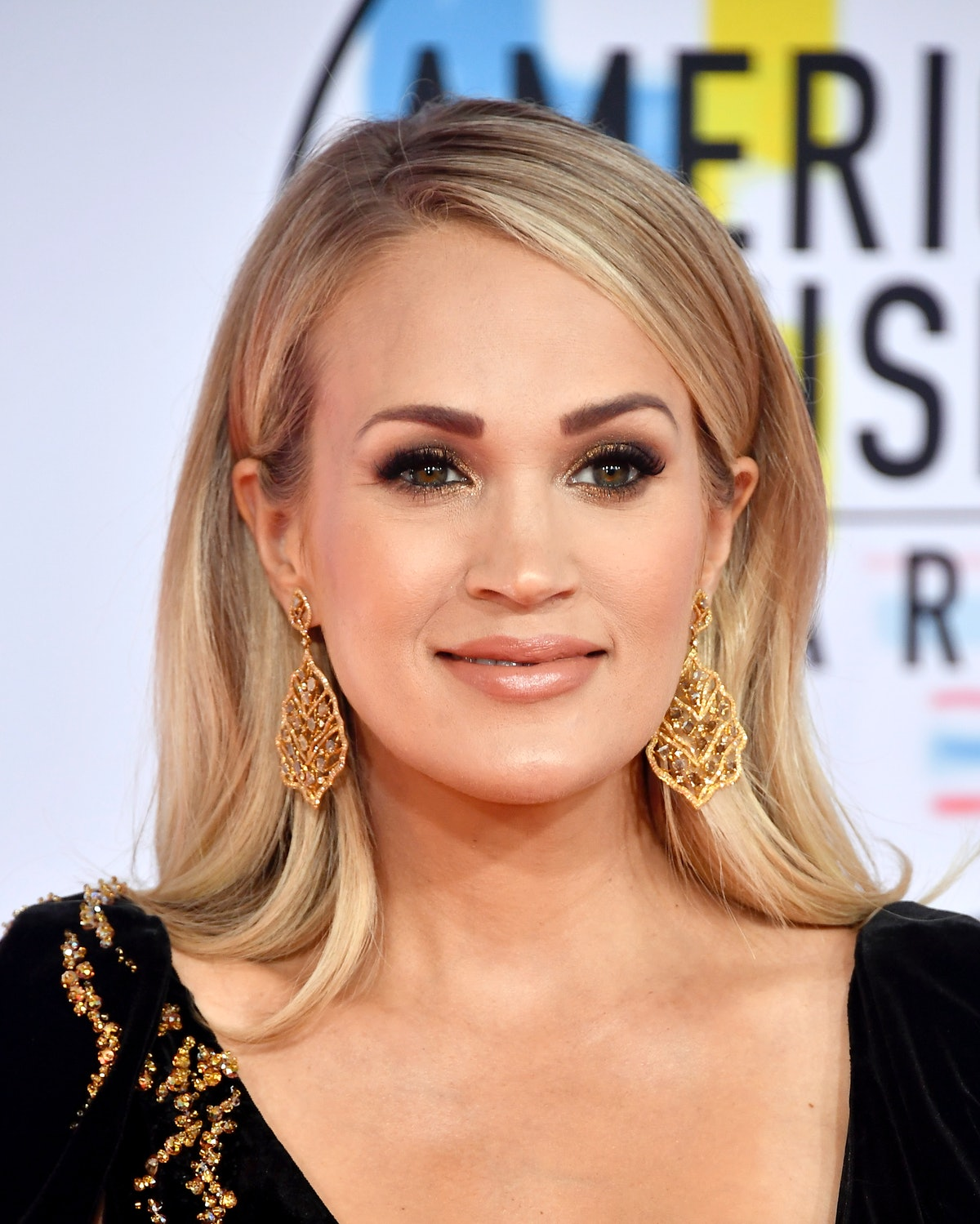 Carrie Underwood Opens Up About Taking Her Kids To Work, & Her Perspective Is Interesting