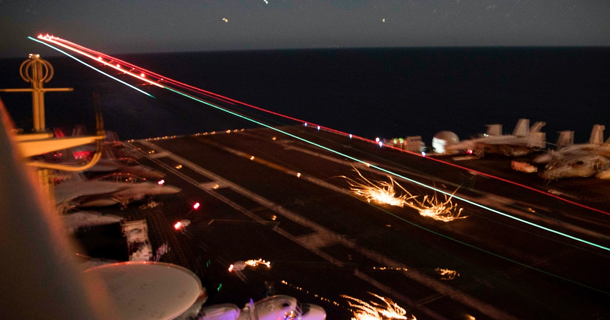 Navy Pilots' UFO Sightings On The East Coast Will Leave You With So Many Questions