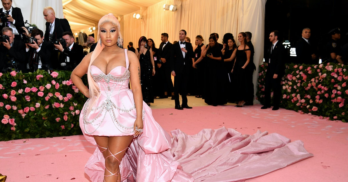 0baf02ca5c5e Nicki Minaj Ignites Pregnancy Rumors With This Tweet, But Let's All Calm  Down