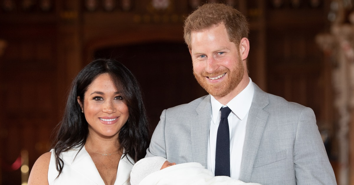 Meghan Markle & Prince Harry's Father's Day Photo Of Baby Archie Reveals His Face For The First Time