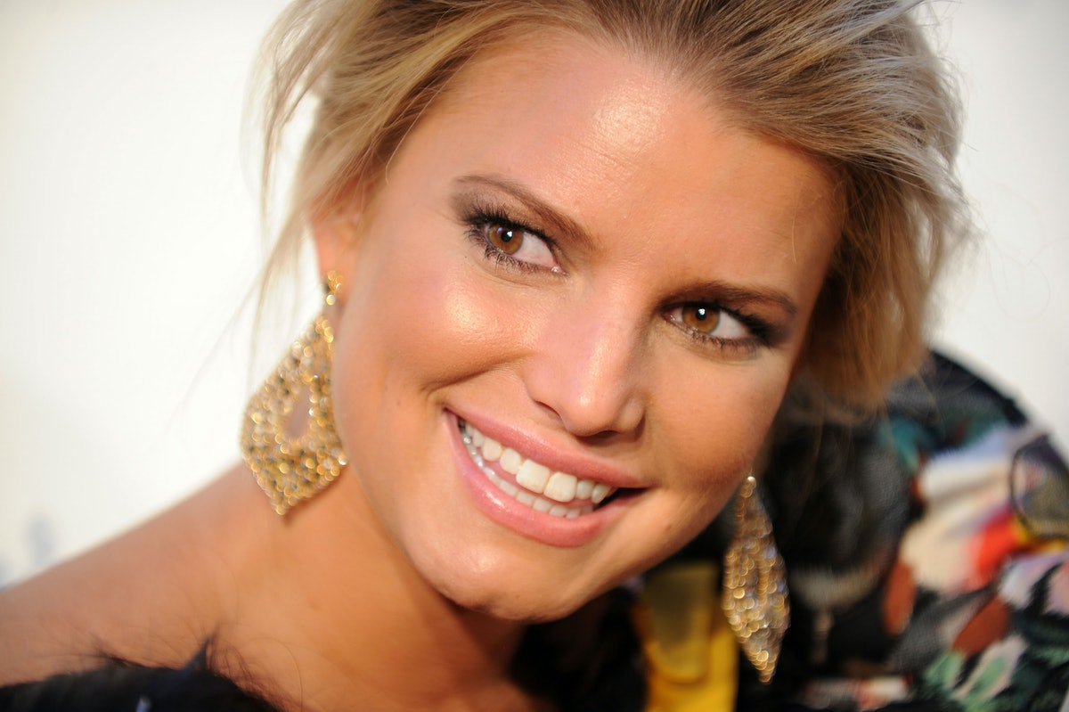 """Jessica Simpson's Honesty About Her Postpartum """"Rubber Corset"""" Is A Big Hit With Fellow Moms"""
