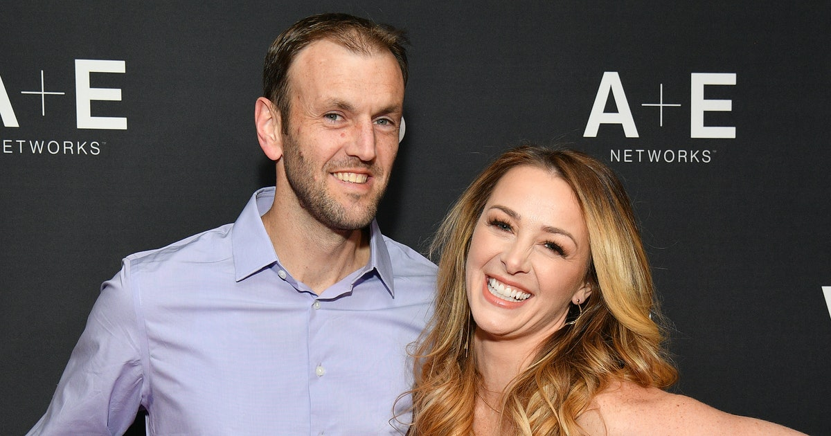 Jamie Otis & Her Husband Taking A Pregnancy Test Are Every Couple TTC