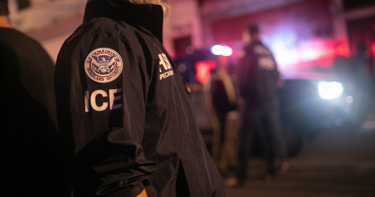 ICE Quarantines 5,200 Detained Immigrants Who Were Exposed To The Mumps & Chickenpox