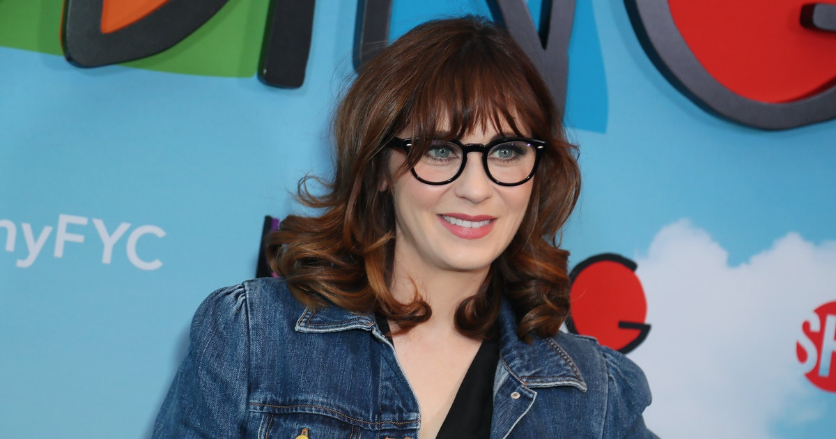 Zooey Deschanel's Keeps Her Bangs Intact With This Simple 5-Minute Hack