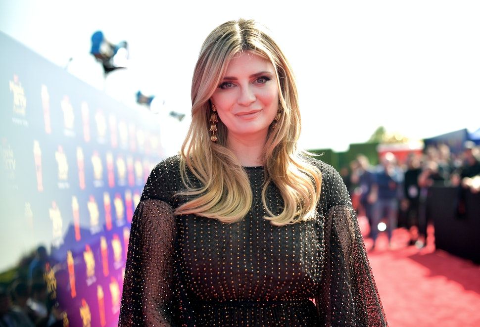 How Does Mischa Barton Know 'T...